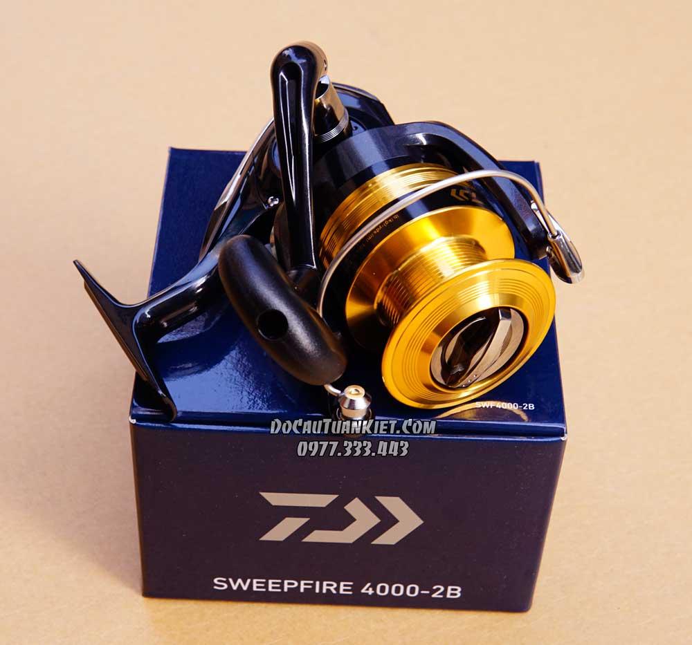 Máy câu Daiwa Sweepfire 2B